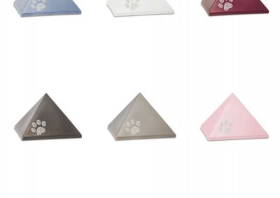 Keramiek piramide met Swarovski poot