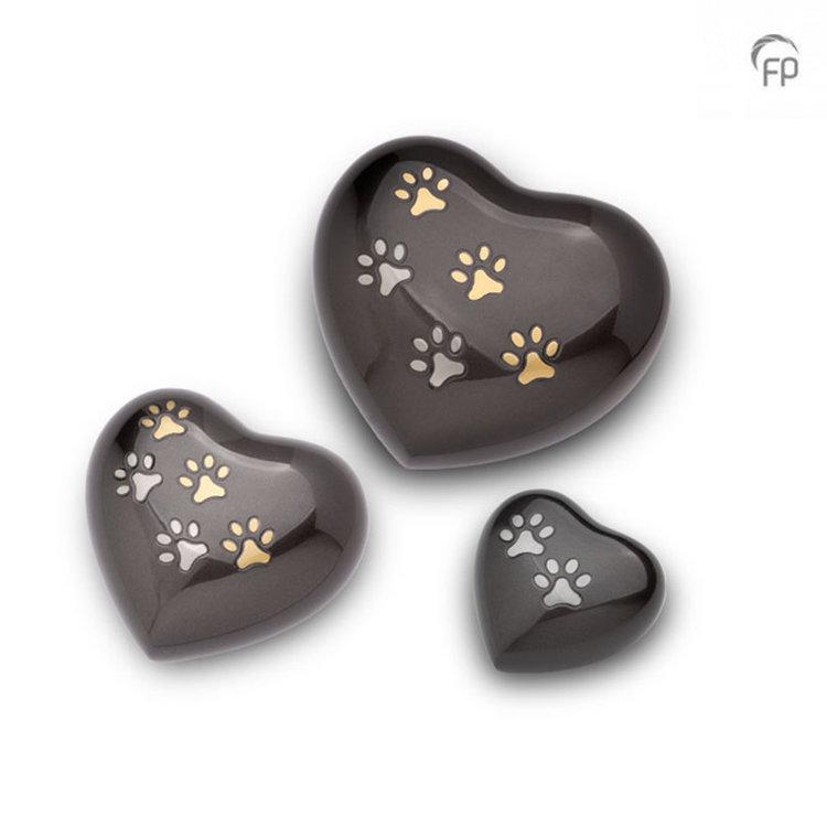 Messing hart met goudkleurige en zilverkleurige pootjes HUH 010